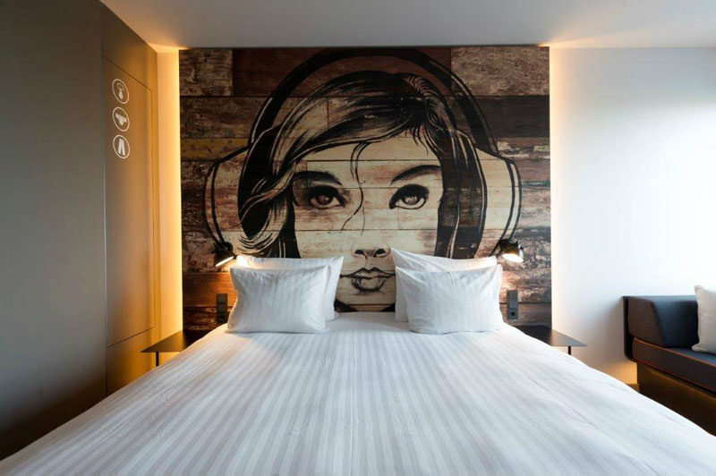 mural on the wall luxury hotel interior design ideas
