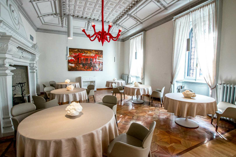 contraste luxurious restaurants in Milan