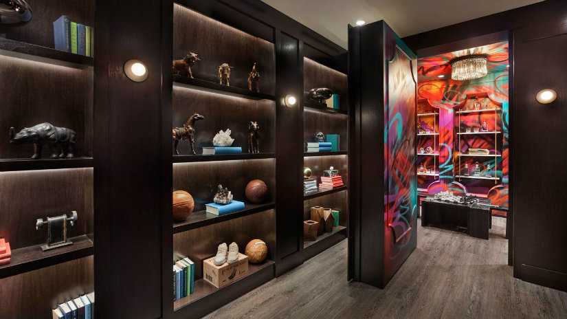 Hotel Luxury Suites - an eclectic Kingpin at Las Vegas by R